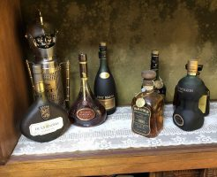 【香川県善通寺市】酒瓶、昔の写真、サインボールなどのお買取りをいたしました。